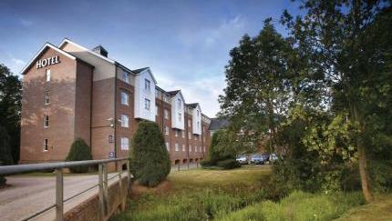 best western reading moat house nr wokingham 190520151306047525